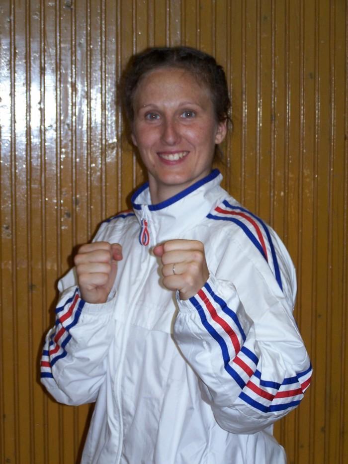 Nathalie VIAL BRAVAIS, ceinture noire 1er dan, instructeur fédéral, membre de l'équipe de France, membre de la commission féminine