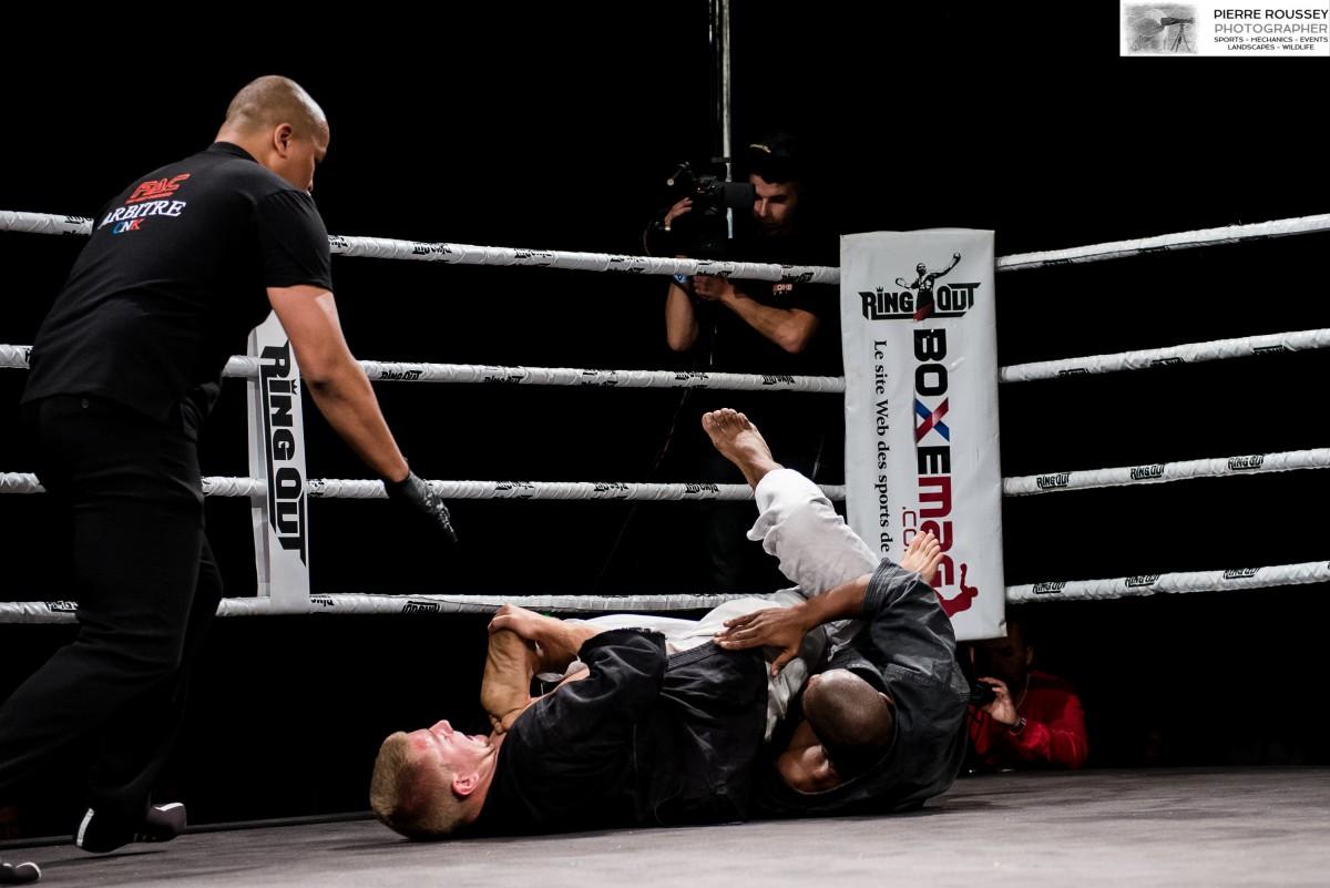 Combat de Kenpô Traditionnel Victoire par clef de jambe d'Anthony YNNA du KCNI sur Gary DUPONT de l'ASVF